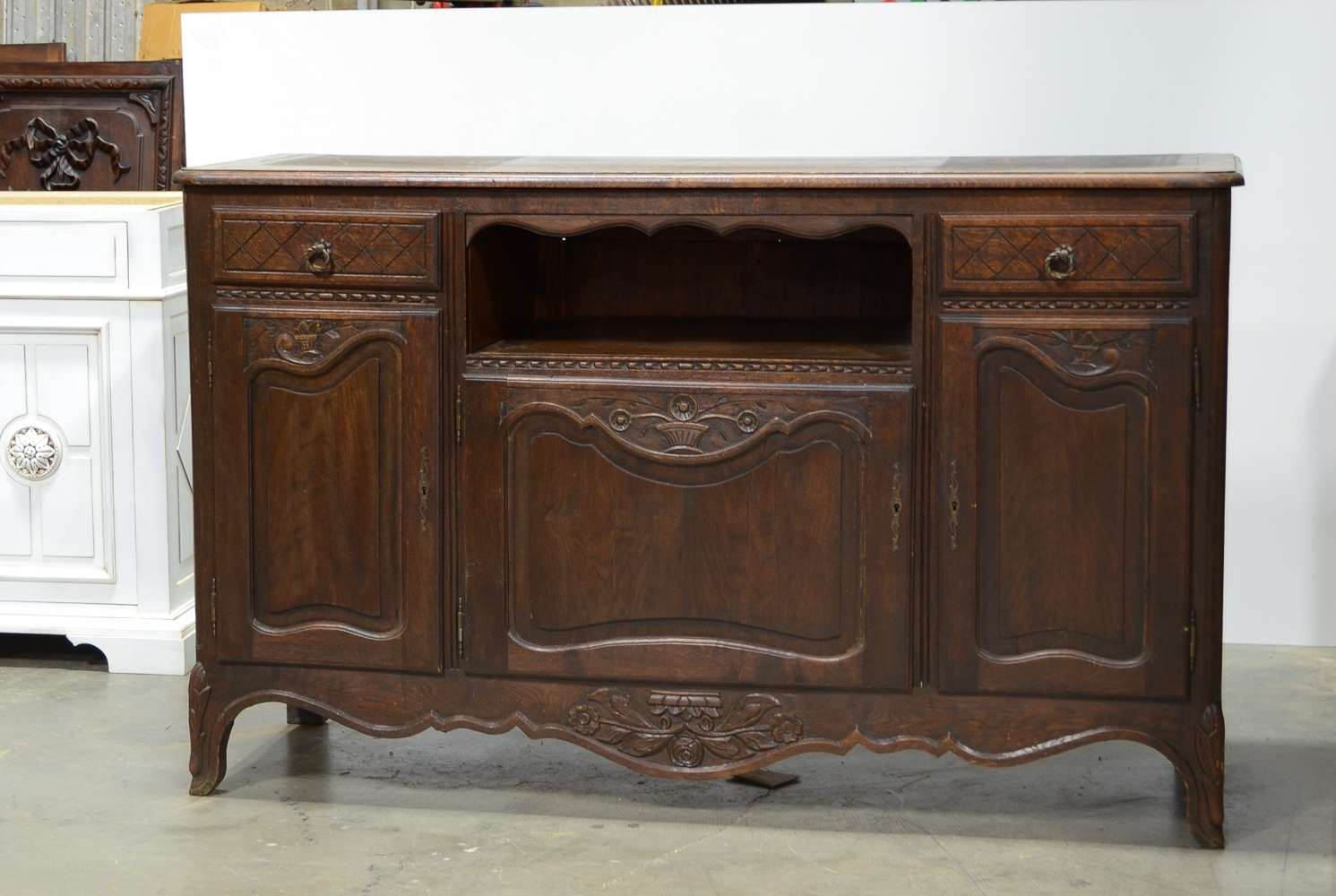 Old Oak Sideboard Cabinet | Luxurious Furniture Ideas Throughout Dark Sideboards (View 12 of 20)