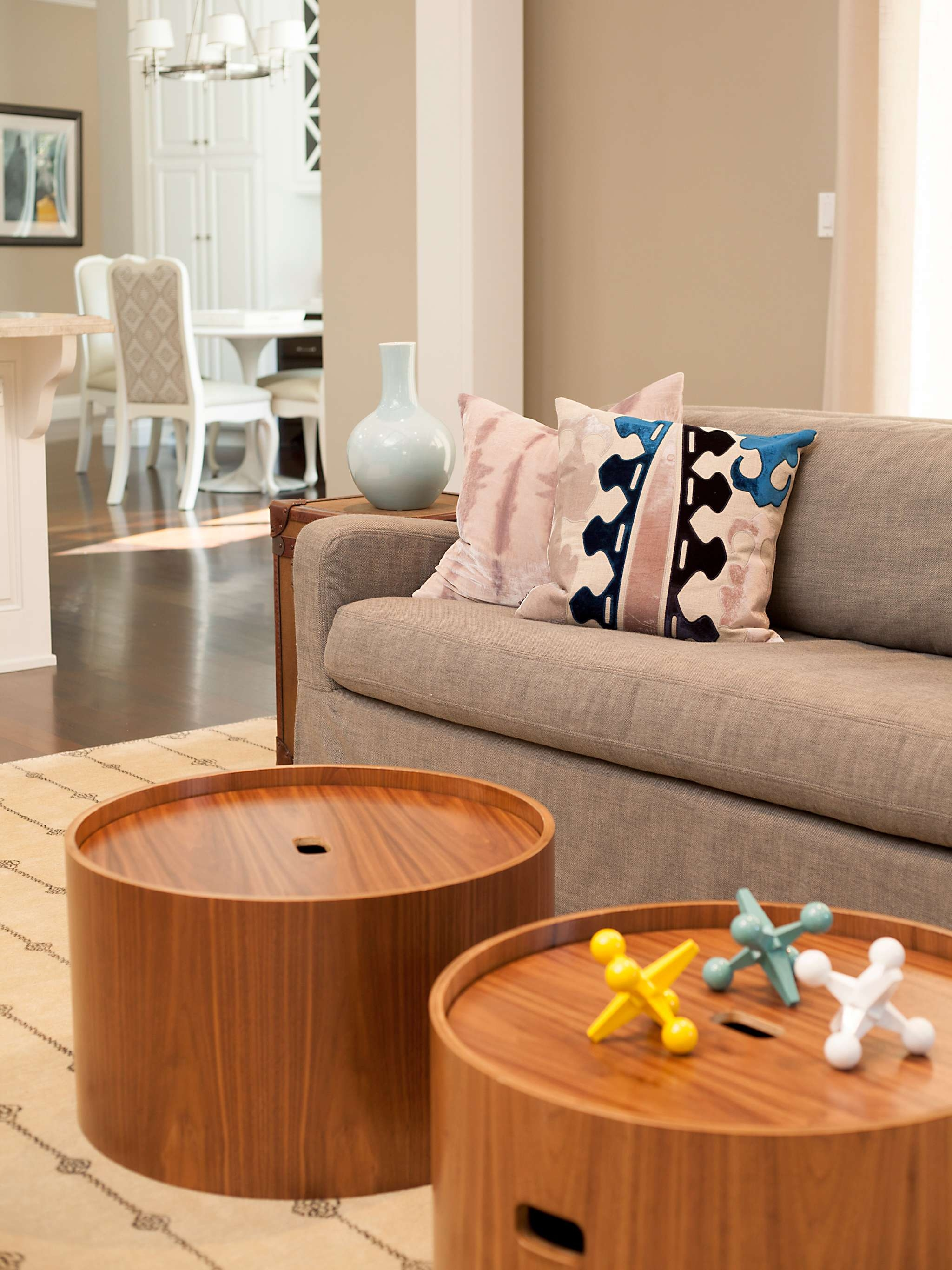 Round Coffee Table: Amazing Round Coffee Table With Storage Within Trendy Round Storage Coffee Tables (View 14 of 20)