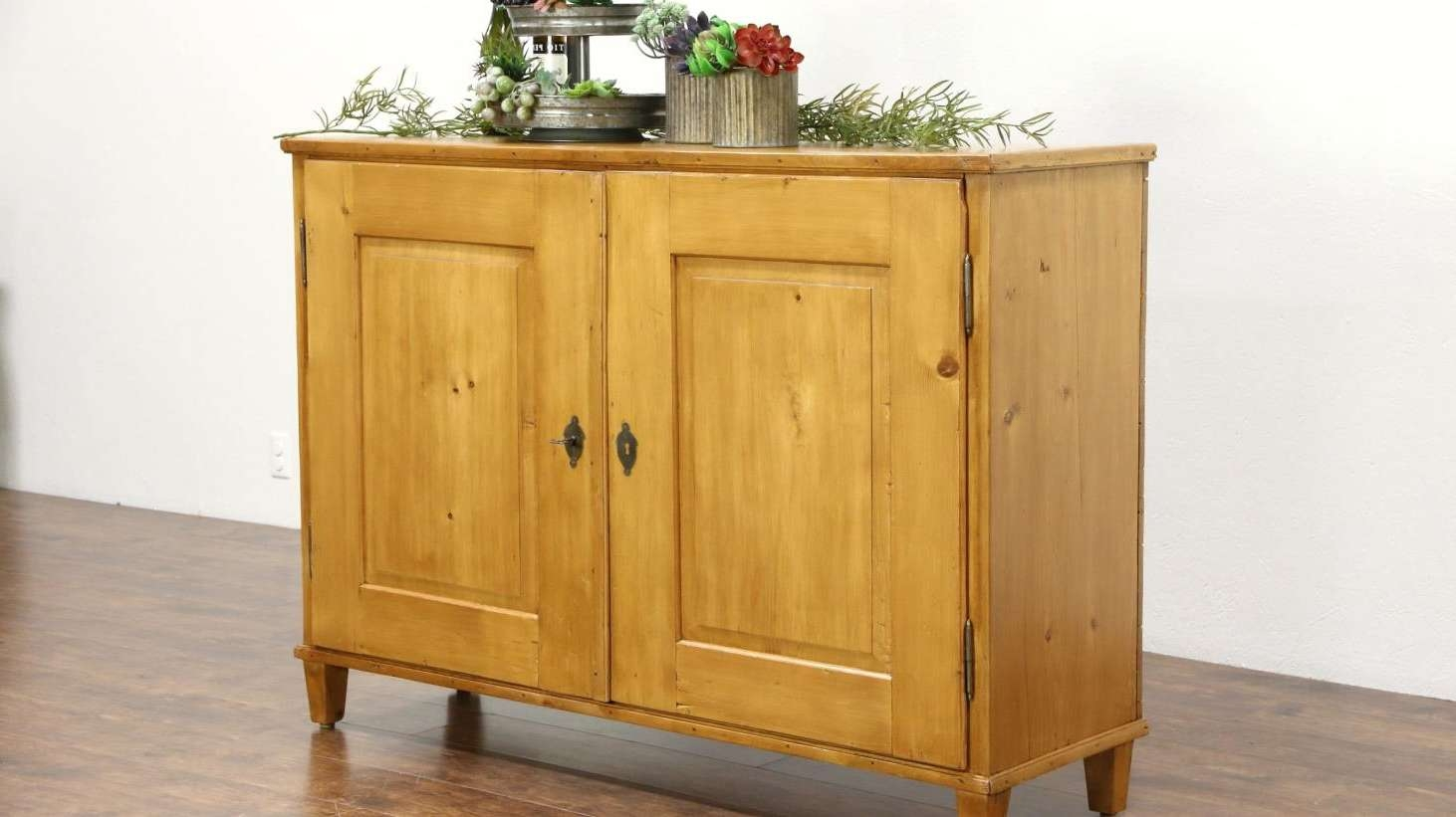 Sideboard : Bali Style Rustic Console Cabinet From Gadogado Com Pertaining To Singapore Sideboards And Buffets (View 6 of 20)