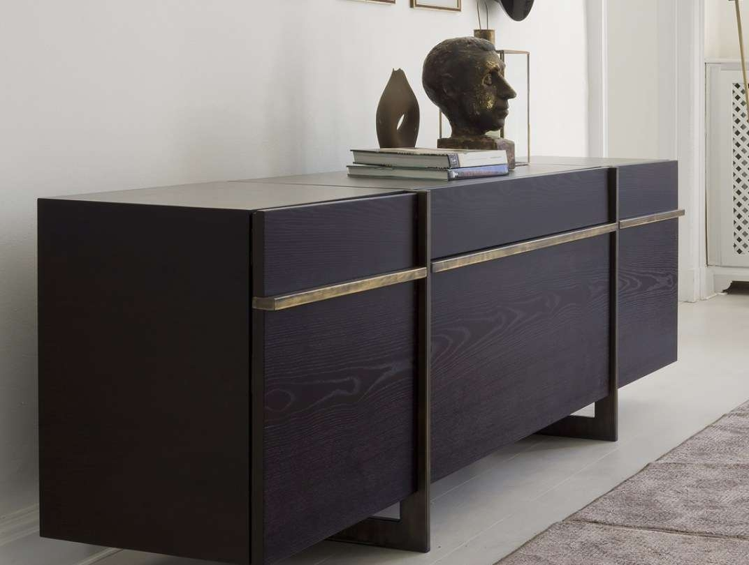 Sideboard : Italian Contemporary Sideboard Buffet With Led Lights Intended For Sideboards With Lights (View 9 of 20)