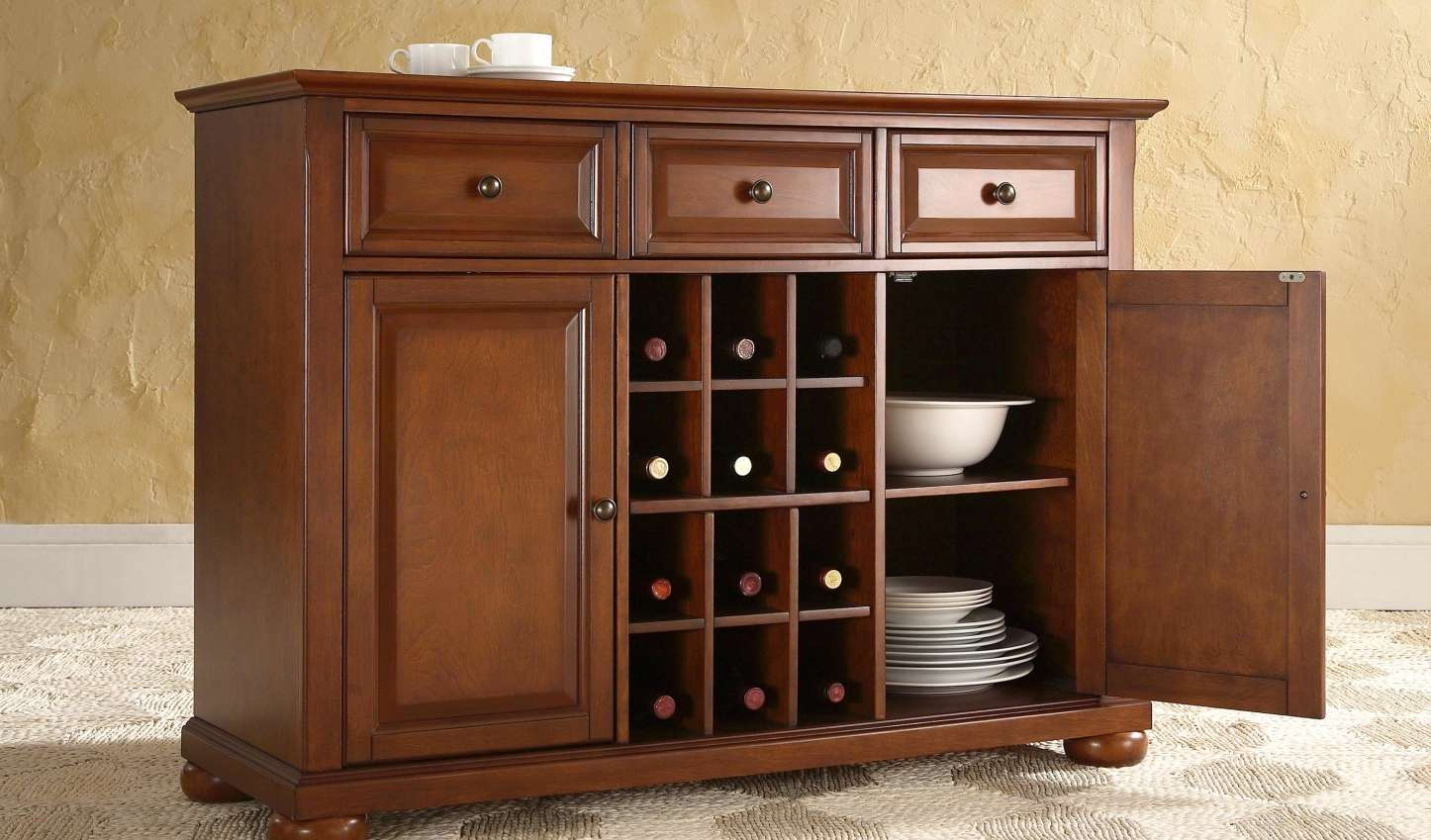 Sideboard : Traditional Sideboards And Buffets Gripping Small Oak Regarding Traditional Sideboards (View 7 of 20)