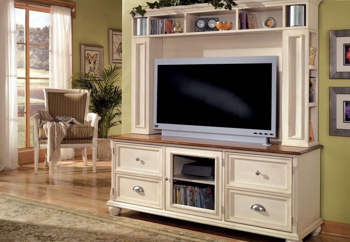 Tv : Floating Tv Stand Wonderful Traditional Tv Cabinets Best 25 Intended For Traditional Tv Cabinets (View 15 of 20)