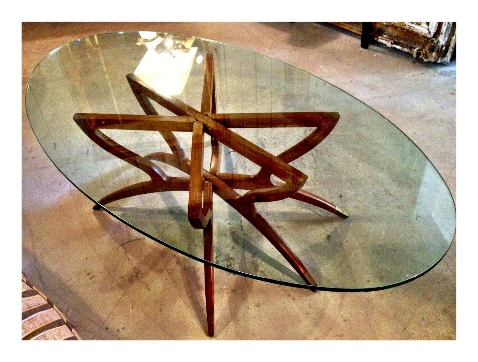 Very Chic And Charming Oval Glass Coffee Table — The Home Redesign Pertaining To Fashionable Oval Shaped Glass Coffee Tables (View 16 of 20)