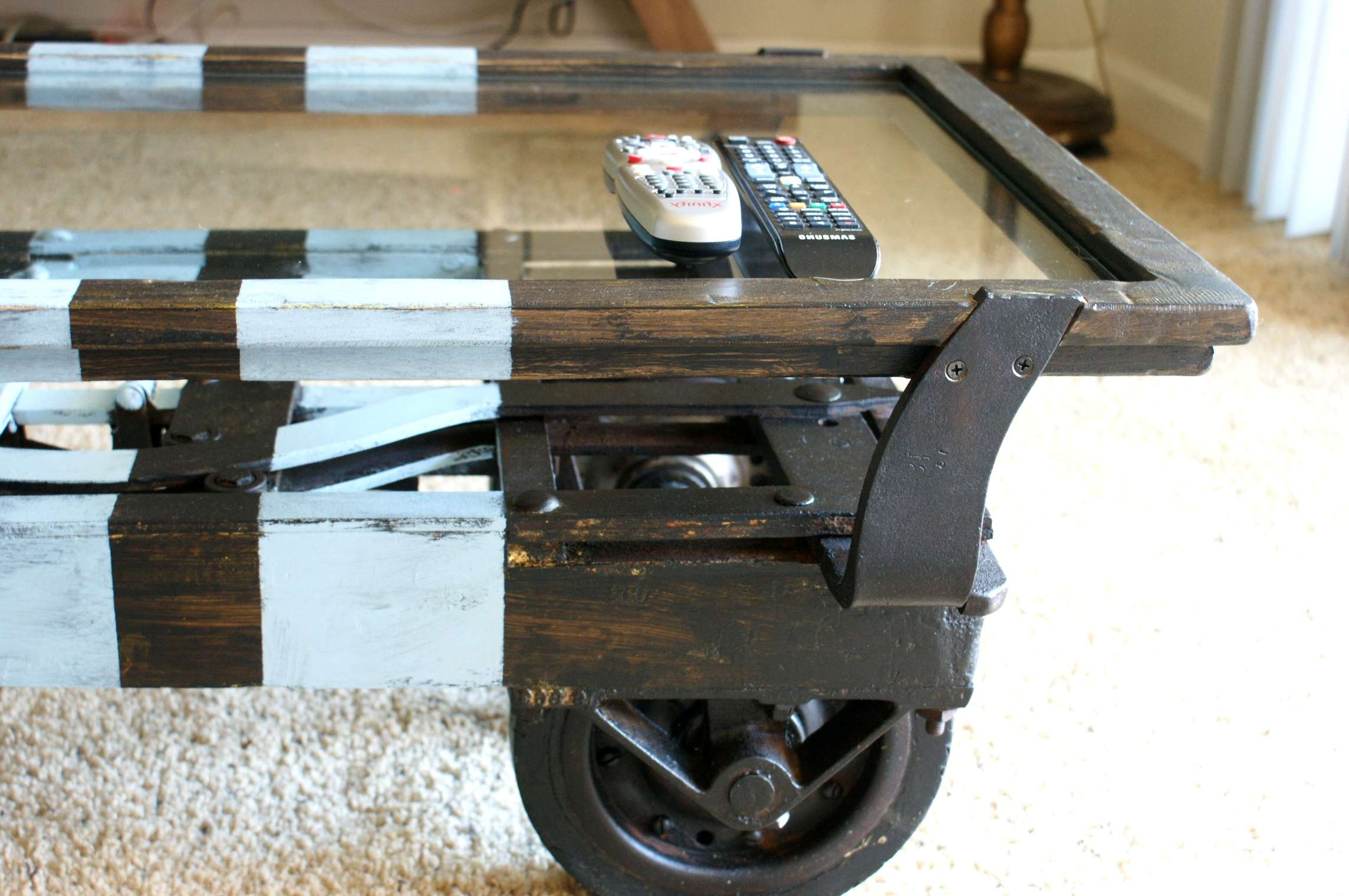 Zauberhaft Rustic Coffee Tables On Wheels Creating Private Lounge Inside 2018 Rustic Coffee Table With Wheels (View 20 of 20)
