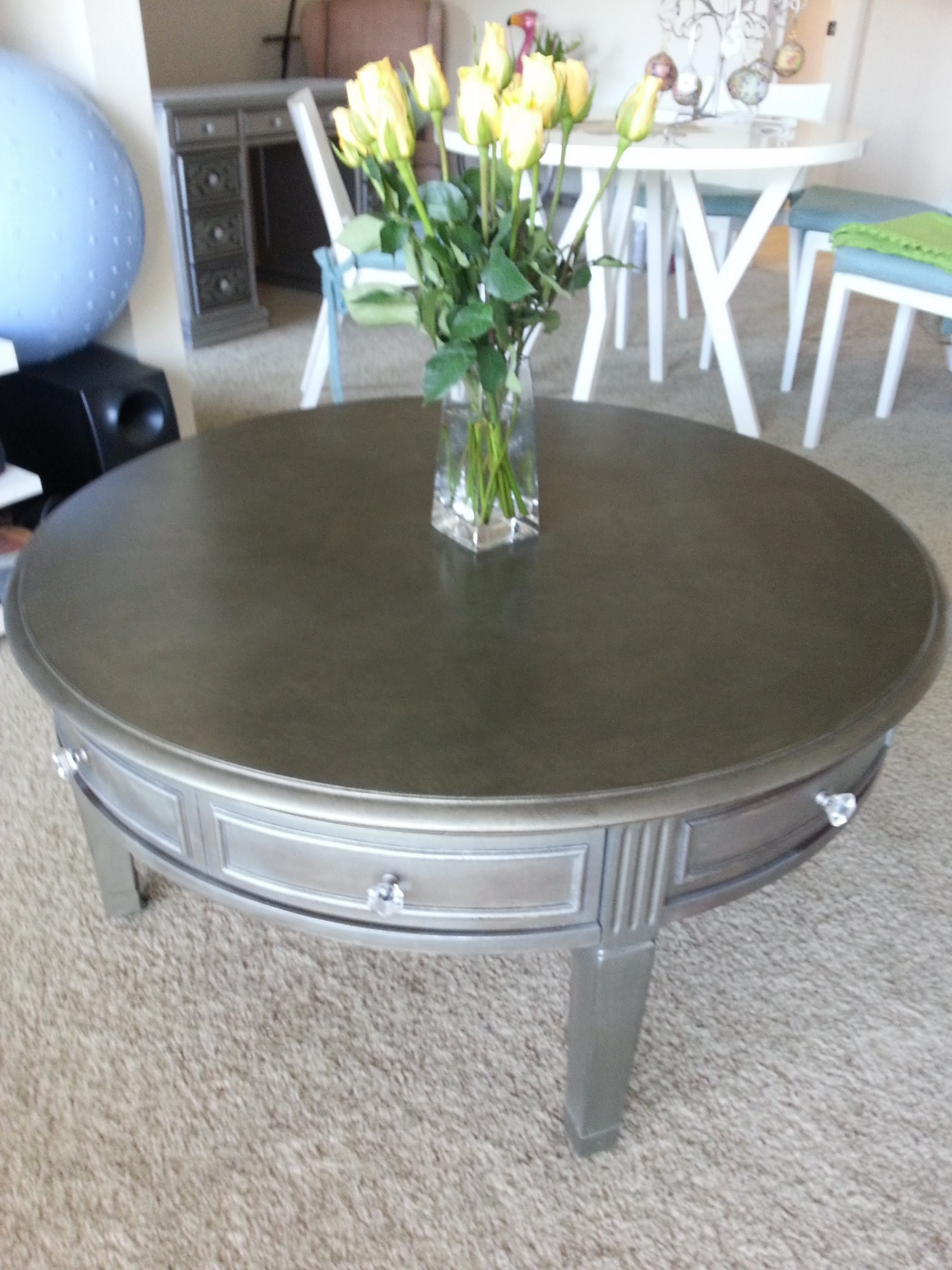 17 Classy Painted Coffee Tables Diy (View 2 of 20)