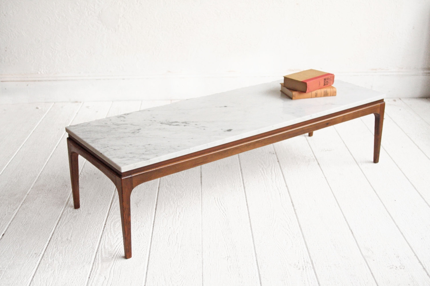 2017 Mid Century Modern Marble Coffee Tables Within Mid Century Marble Coffee Table: Review Of 10+ Ideas In  (View 2 of 20)