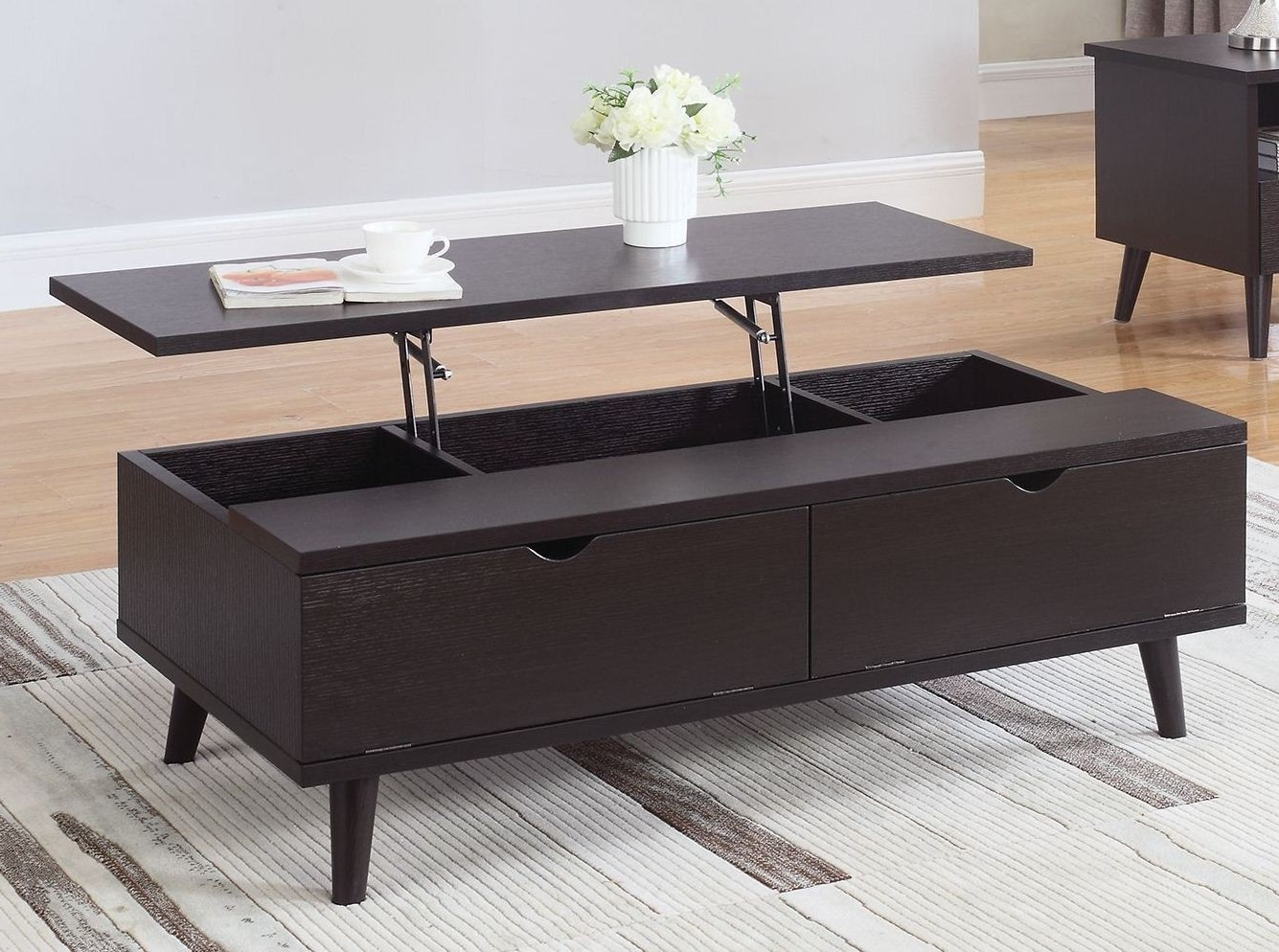 Coleman Furniture Pertaining To Widely Used Jasper Lift Top Cocktail Tables (View 8 of 20)
