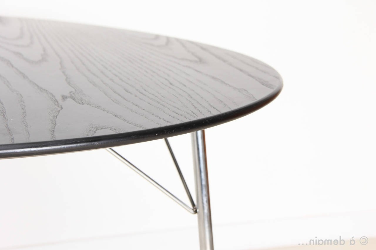 Egg Dining Table With Three Ant Chairsarne Jacobsen, Edition Of Throughout Latest Mid Century Modern Egg Tables (View 11 of 20)