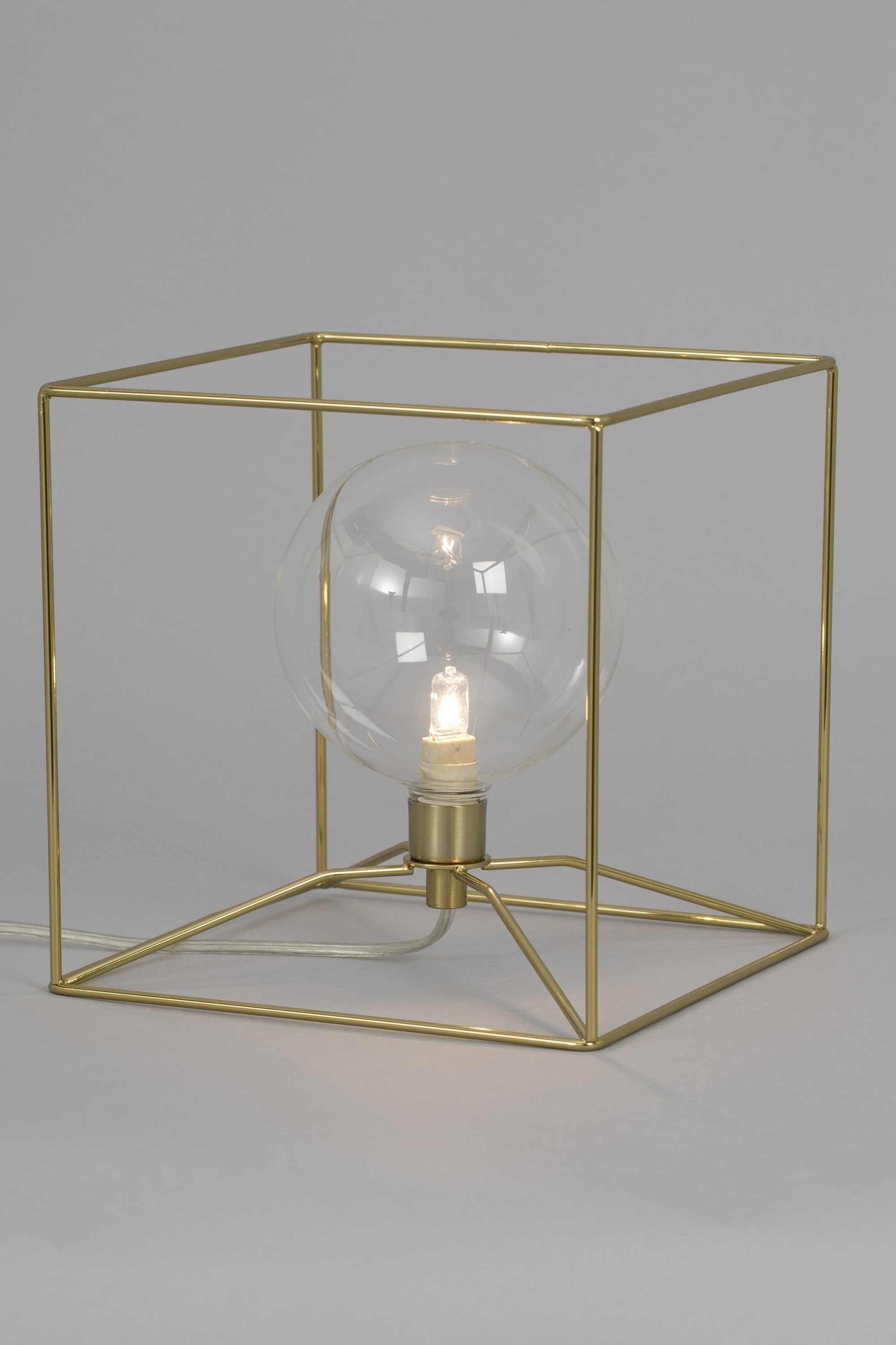 Geometric Cube Brass Wire Table Lamp Regarding Well Known Brass Iron Cube Tables (View 11 of 20)
