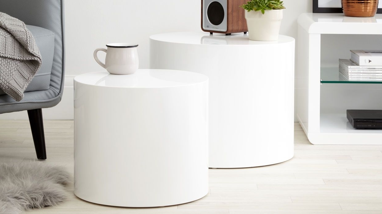 Home Decor: Living Space With Popular Stack Hi Gloss Wood Coffee Tables (View 7 of 20)