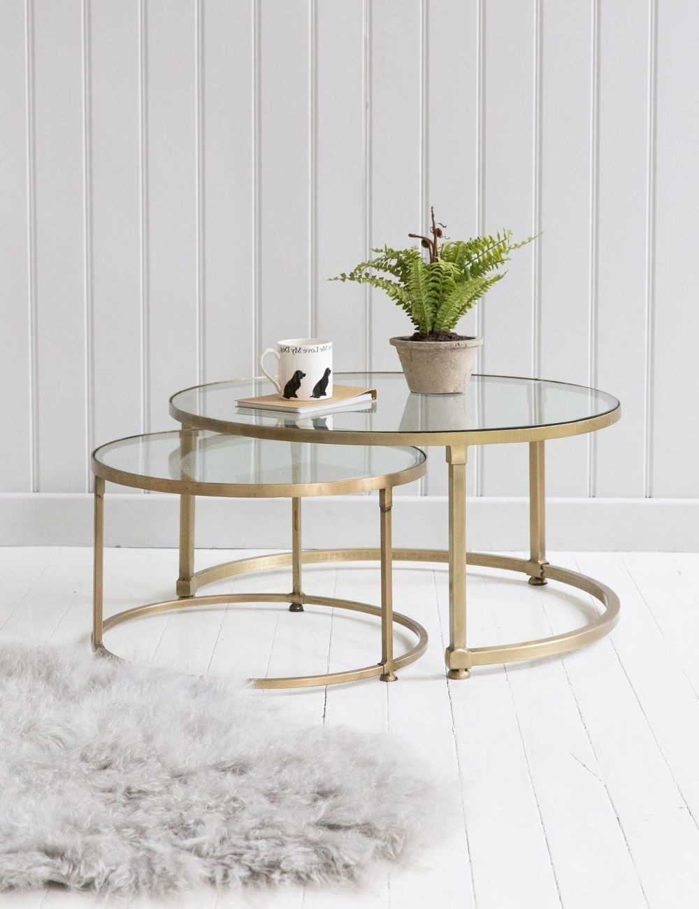 Featured Photo of Round White Wash Brass Painted Coffee Tables