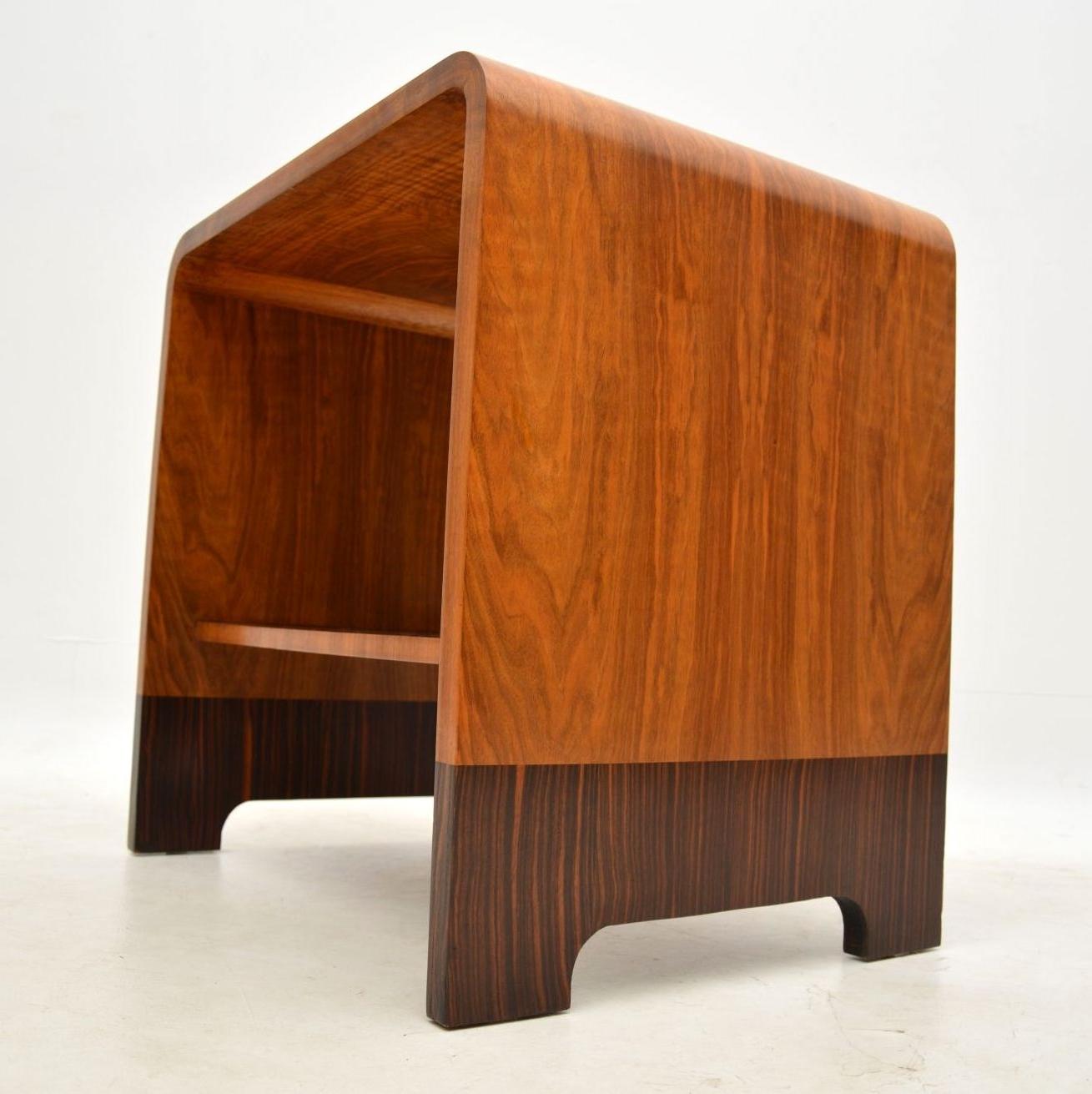 Interior Boutiques In Widely Used Antiqued Art Deco Coffee Tables (View 15 of 20)