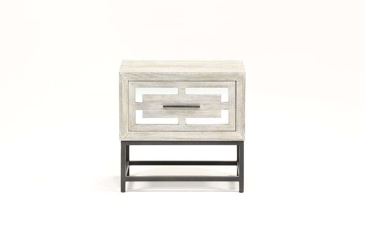 Living Spaces For Favorite Baybrin Cocktail Tables (View 12 of 20)