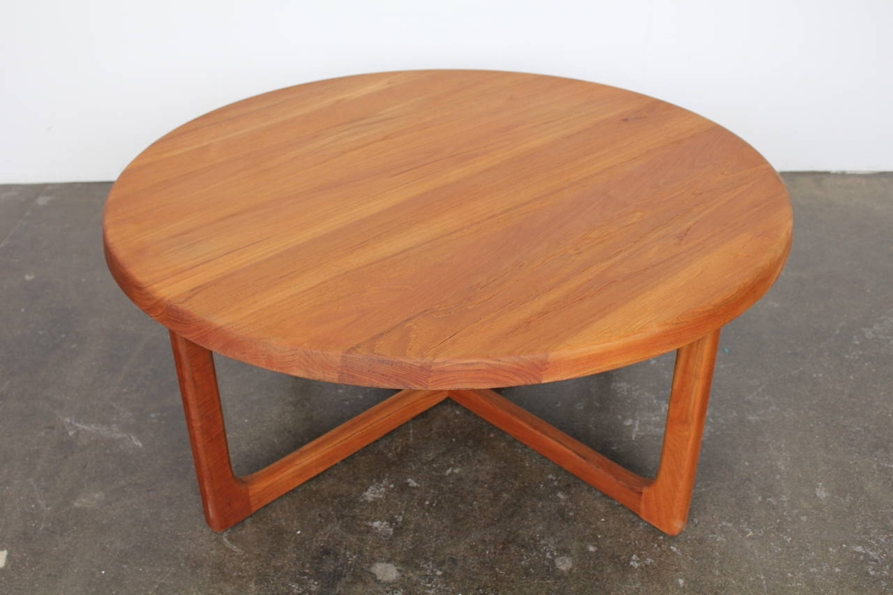 Mid Century Large Round Solid Teak Coffee Table At 1Stdibs With Most Current Round Teak Coffee Tables (View 10 of 20)