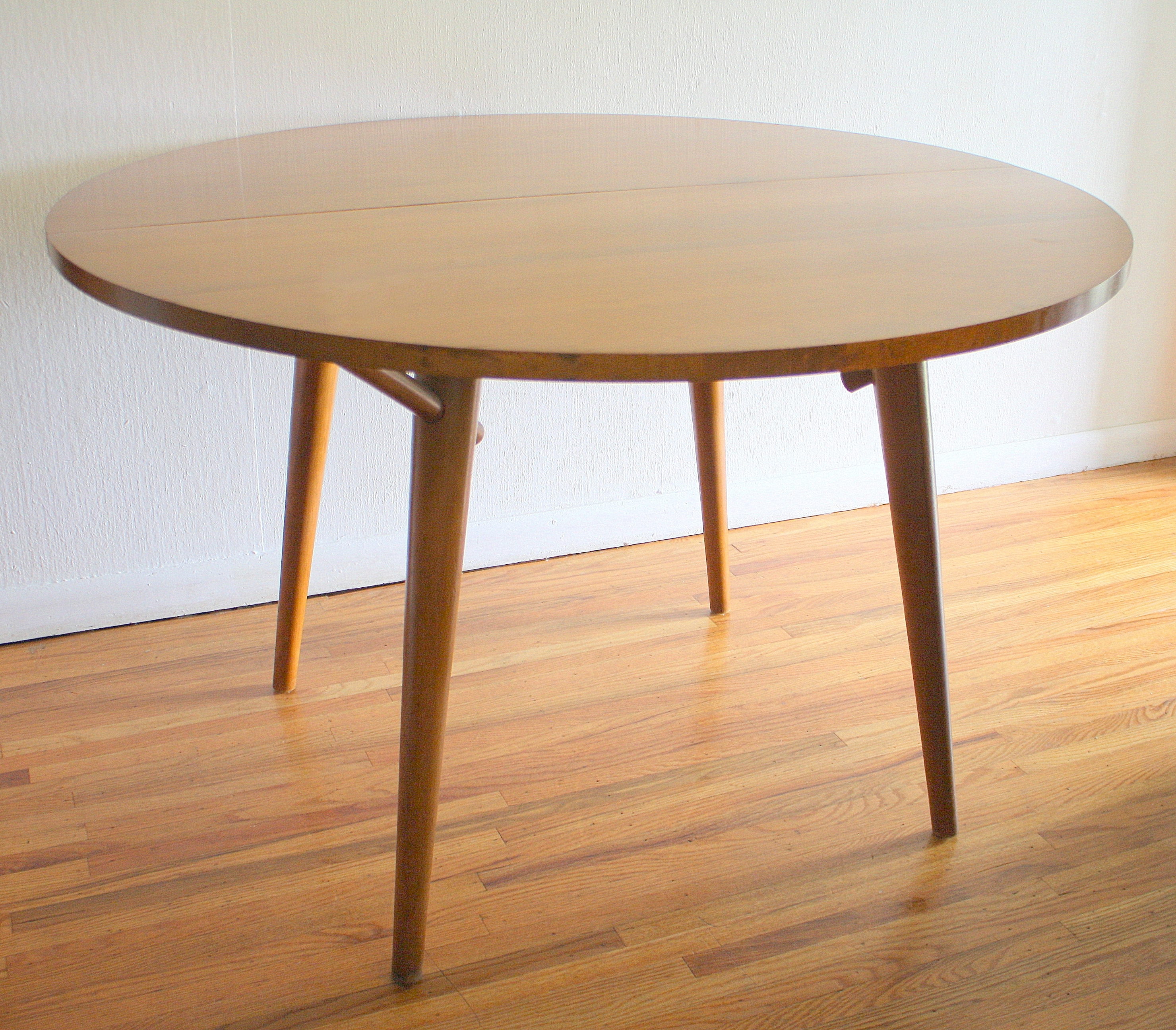 Mid Century Modern Dining Table And Chairsrussel Wright For Regarding Fashionable Mid Century Modern Egg Tables (View 3 of 20)