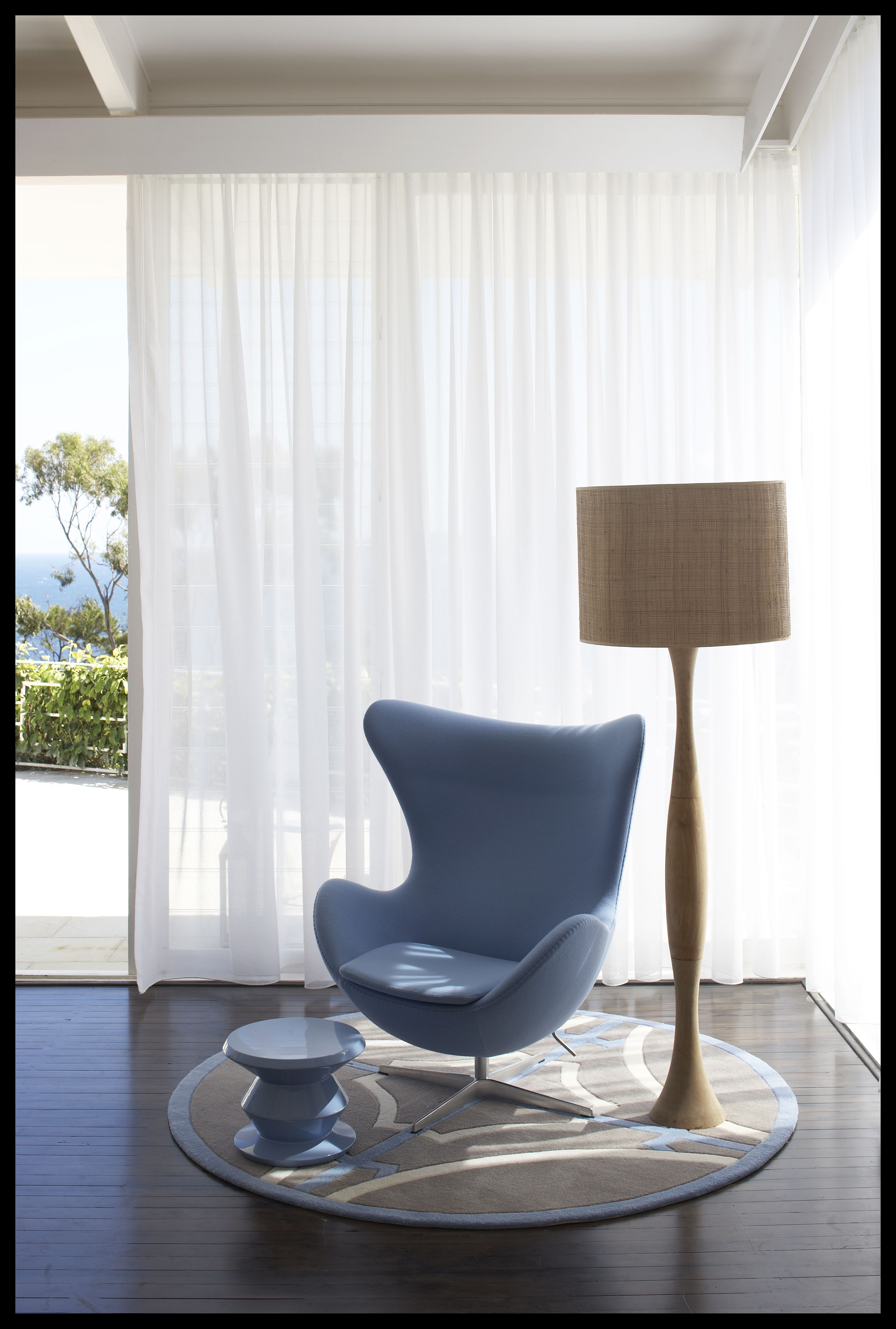 Mid Century Modernist Interior Design Ideas With Favorite Mid Century Modern Egg Tables (View 8 of 20)