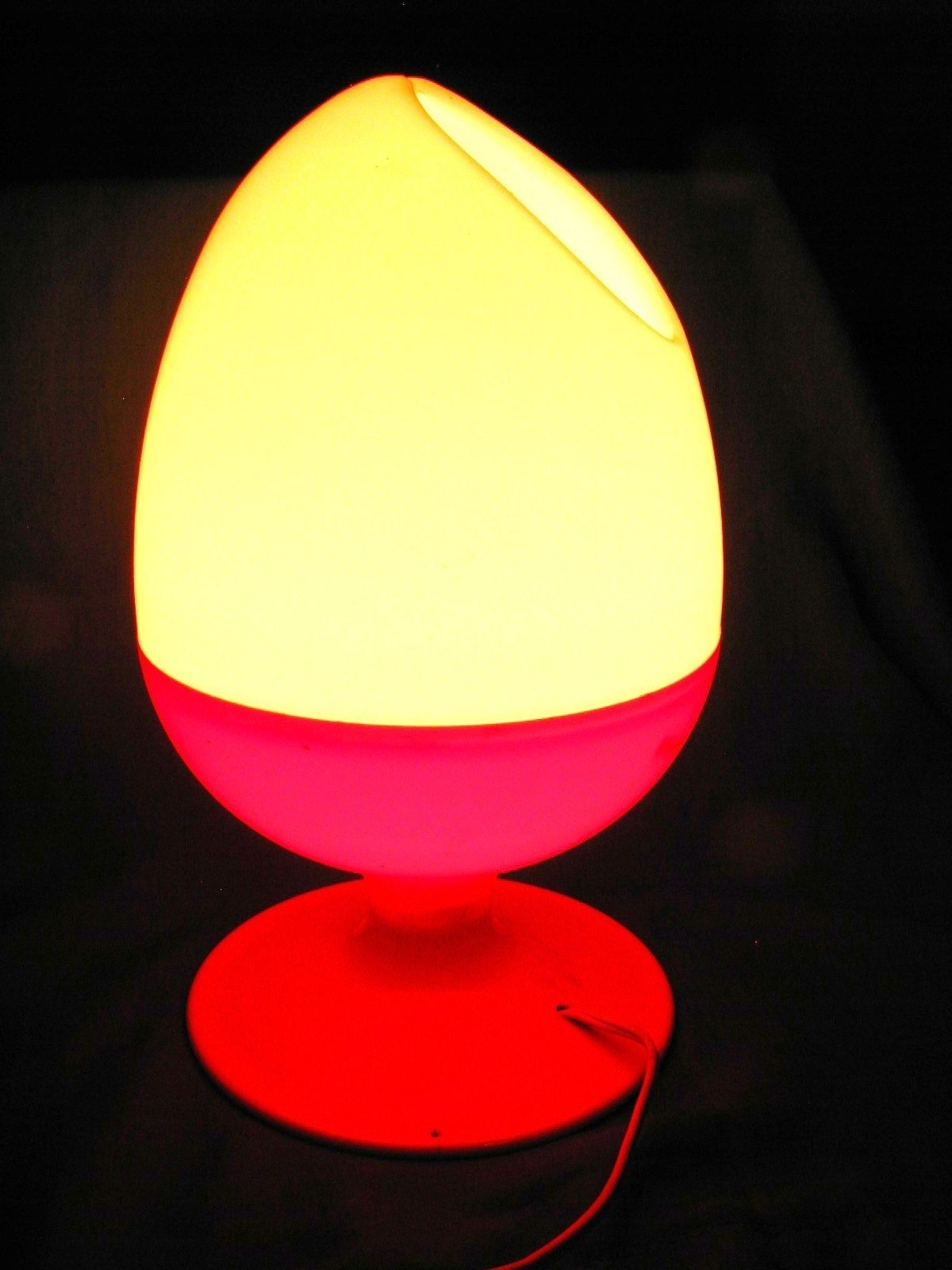 Recent Mid Century Modern Egg Tables Within Vintage Mid Century Modern Plastic Egg Table Lamp ,c (View 14 of 20)