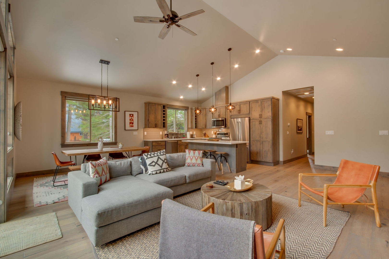 Sunrise Abode At Tahoe Donner (View 13 of 20)