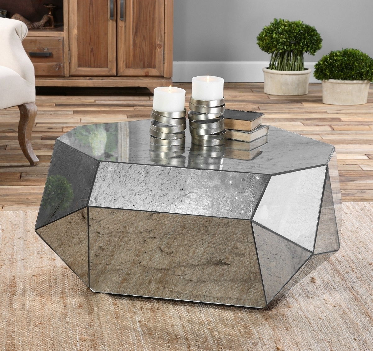 Well Known Geo Faceted Coffee Tables Throughout Geometric Modern Mirrored Coffee Table – Lendance (View 19 of 20)
