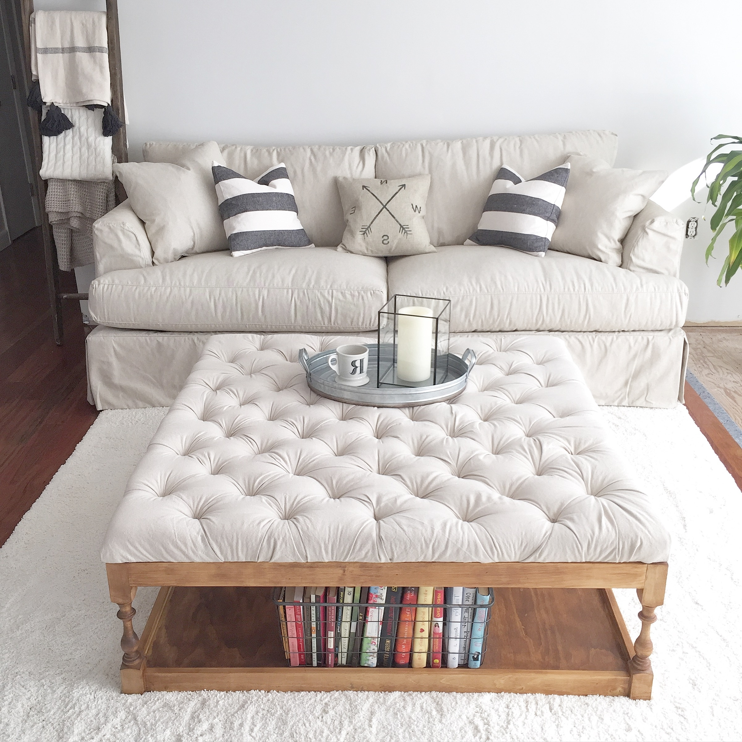 Widely Used Button Tufted Coffee Tables In Royal Charm Button Tufted Coffee Tables For Interior (View 10 of 20)