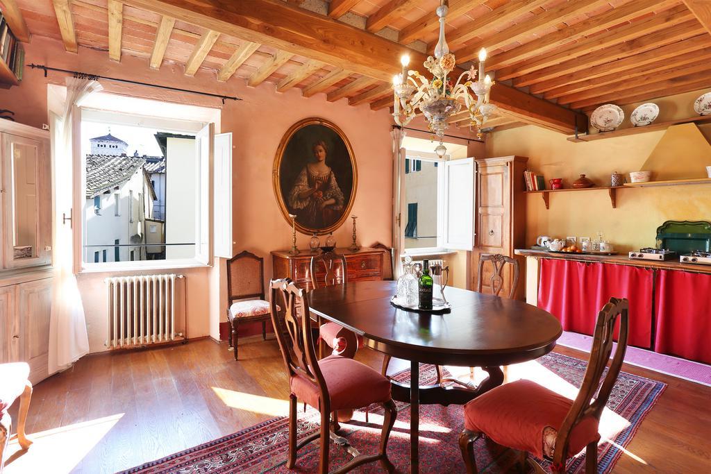 2017 Delfina Dining Tables With Regard To Apartment L'attico Di Delfina, Lucca, Italy – Booking (Gallery 17 of 20)