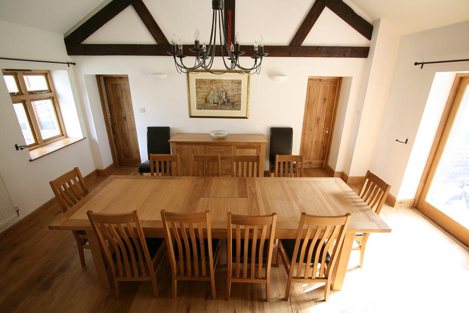 2017 Oak Dining Tables And Leather Chairs Throughout Tallinn Oak Dining Sets (View 2 of 20)