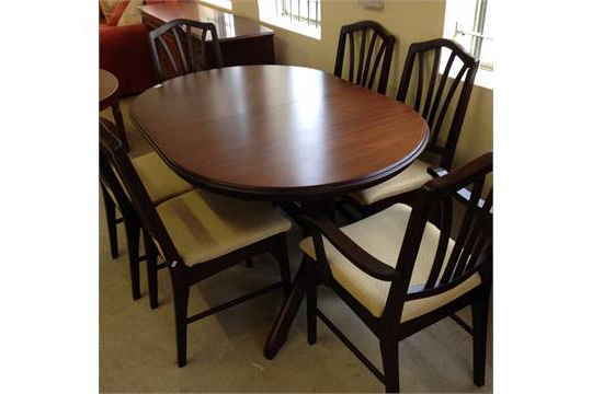 2018 A Rossmore Mahogany Extendable Dining Table With 6 Dining Chairs, 2 Within Mahogany Extending Dining Tables And Chairs (View 2 of 20)