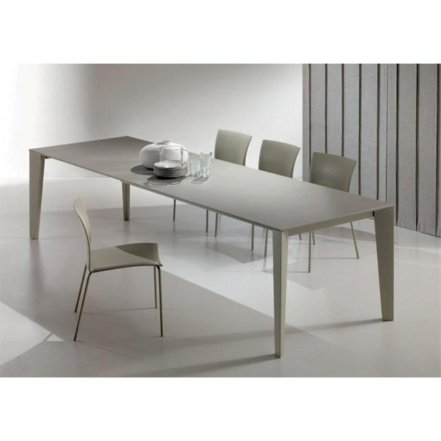 2018 Cruz Modern Extending Dining Table Pertaining To Contemporary Extending Dining Tables (View 10 of 20)