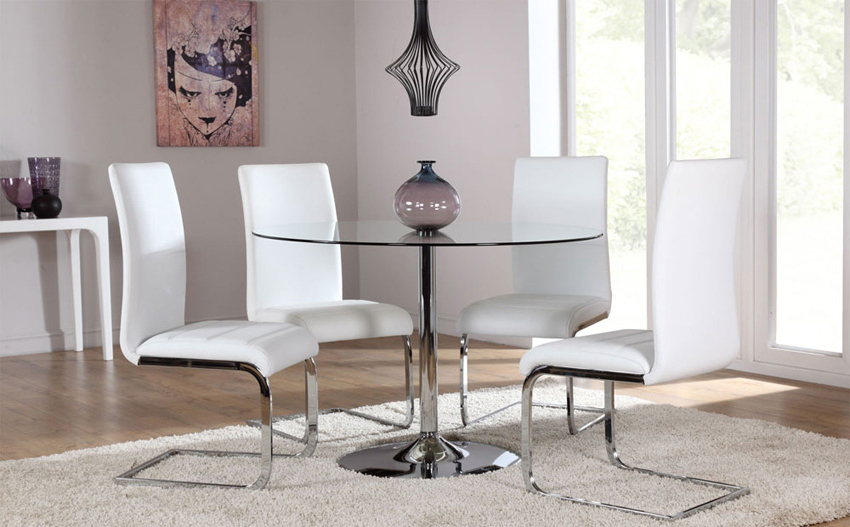 4 Optimal Choices In Glass Dining Table And Chairs – Blogbeen Within Trendy Glass Dining Tables White Chairs (View 9 of 20)
