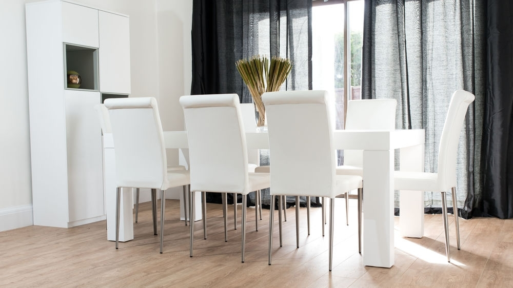 8 Seater White Dining Tables Pertaining To Trendy Modern Chunky White Oak Dining Table And Real Leather Chairs (View 2 of 20)