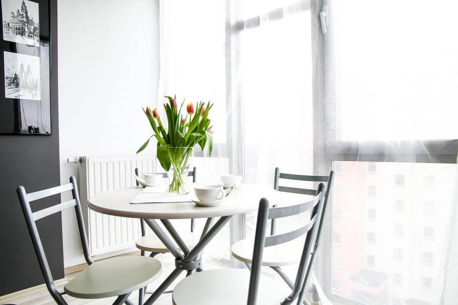 8 Terrific Small Dining Tables For 2018 For Widely Used Small Round White Dining Tables (View 3 of 20)