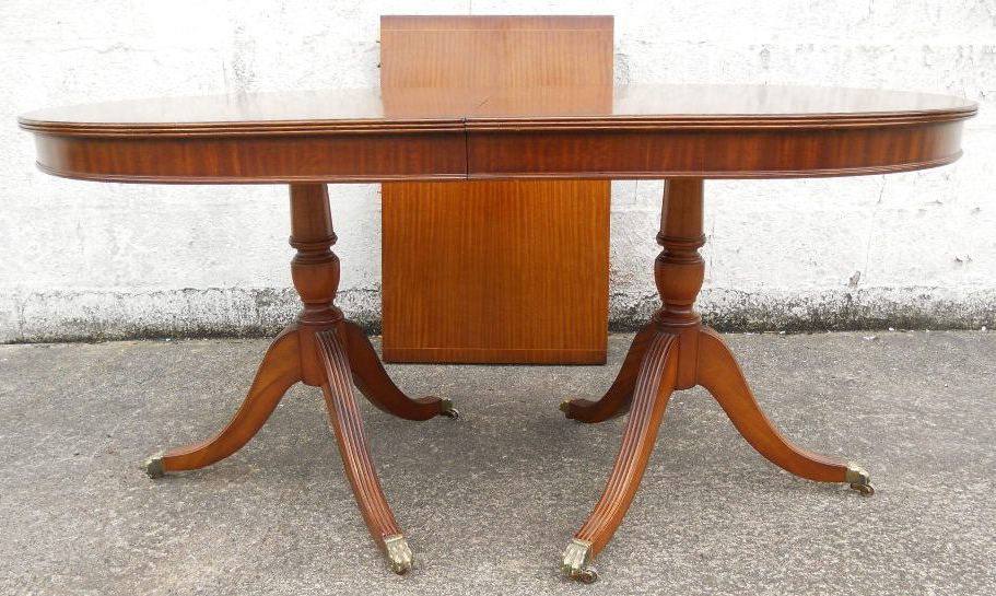 Antique Georgian Style Mahogany Extending Dining Table To Seat Eight Throughout Well Liked Mahogany Extending Dining Tables (Gallery 12 of 20)
