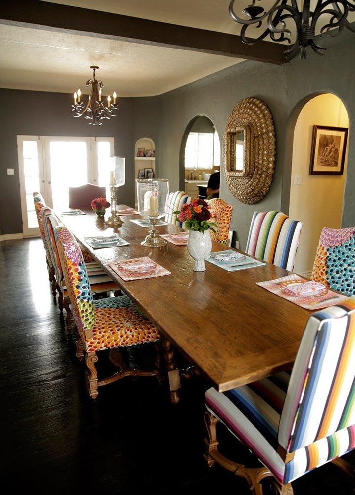 Best And Newest Mindy Slipcovered Side Chairs With Regard To Take A Tour Of Mindy Kaling's Dining Room – Parade (View 10 of 20)