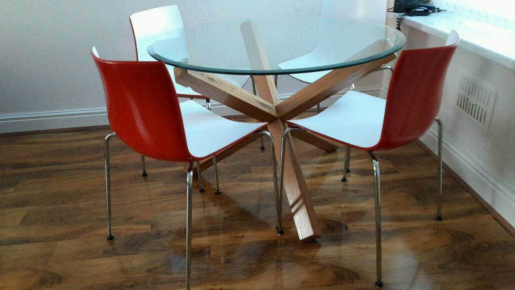 Bhs Solid Oak Glass Top Dining Table And 4 Modern Chairs (View 17 of 20)