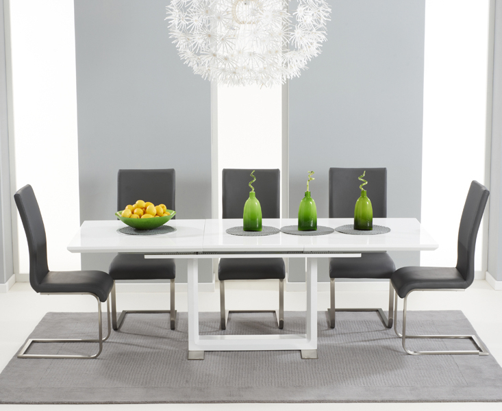 Bianco 160cm White High Gloss Extending Dining Table With Malaga Chairs Intended For Latest Extendable Dining Tables And Chairs (View 8 of 20)