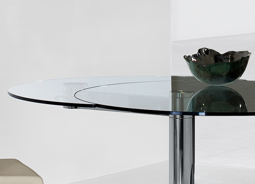 Bonaldo Plinto Round Extending Dining Table , Extendable Dining Intended For Best And Newest Glass Round Extending Dining Tables (View 4 of 20)
