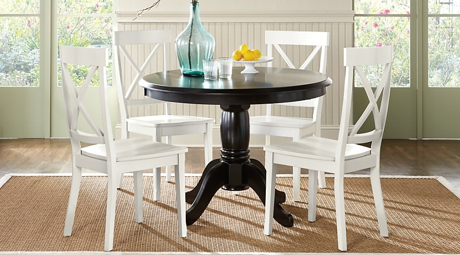 Caira Black Round Dining Tables Pertaining To Well Liked Choosing A Round Dining Table And Chairs Which Match – Home Decor Ideas (View 5 of 20)