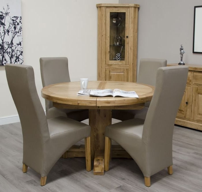 Chatsworth Oak Round Extending Table Intended For 2018 Chatsworth Dining Tables (View 16 of 20)