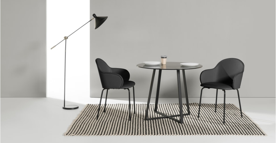 Choosing A Round Dining Table And Chairs Which Match – Home Decor Ideas With Fashionable Caira Black Round Dining Tables (View 11 of 20)