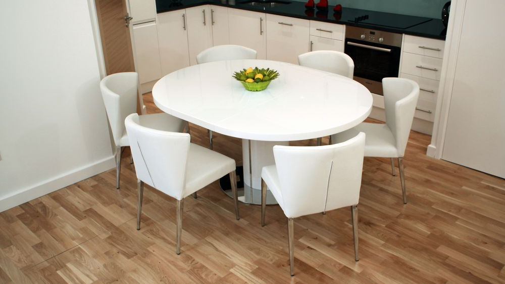 Curva White Gloss Extending Dining Set (Gallery 5 of 20)