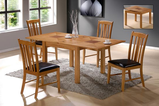 Extendable Dining Tables And 4 Chairs Within Best And Newest Yukon Solid Oak Extending Dining Table With 4 Chairs (View 3 of 20)