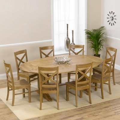 Extendable Dining Tables With 8 Seats Pertaining To Trendy Carver Oak Oval Extending Dining Table With 8 Carver Chairs – Robson (View 5 of 20)