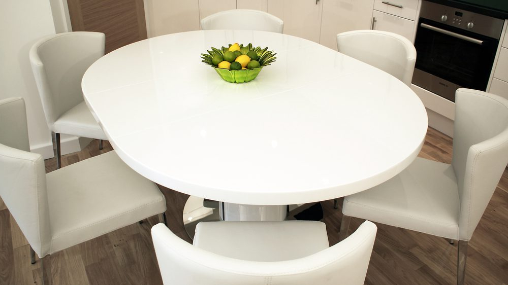 Extending Round Dining Tables Throughout Well Known Round White Gloss Extending Dining Table (View 4 of 20)