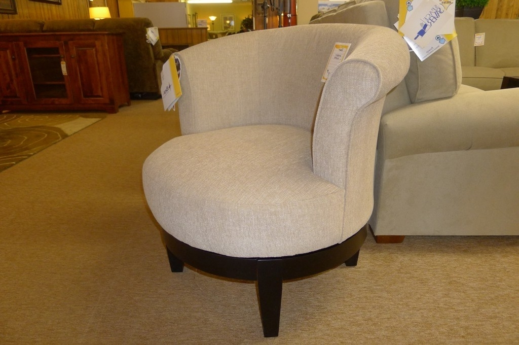 Famous Best Home Furnishings, Attica Swivel Barrel Chair (View 9 of 20)