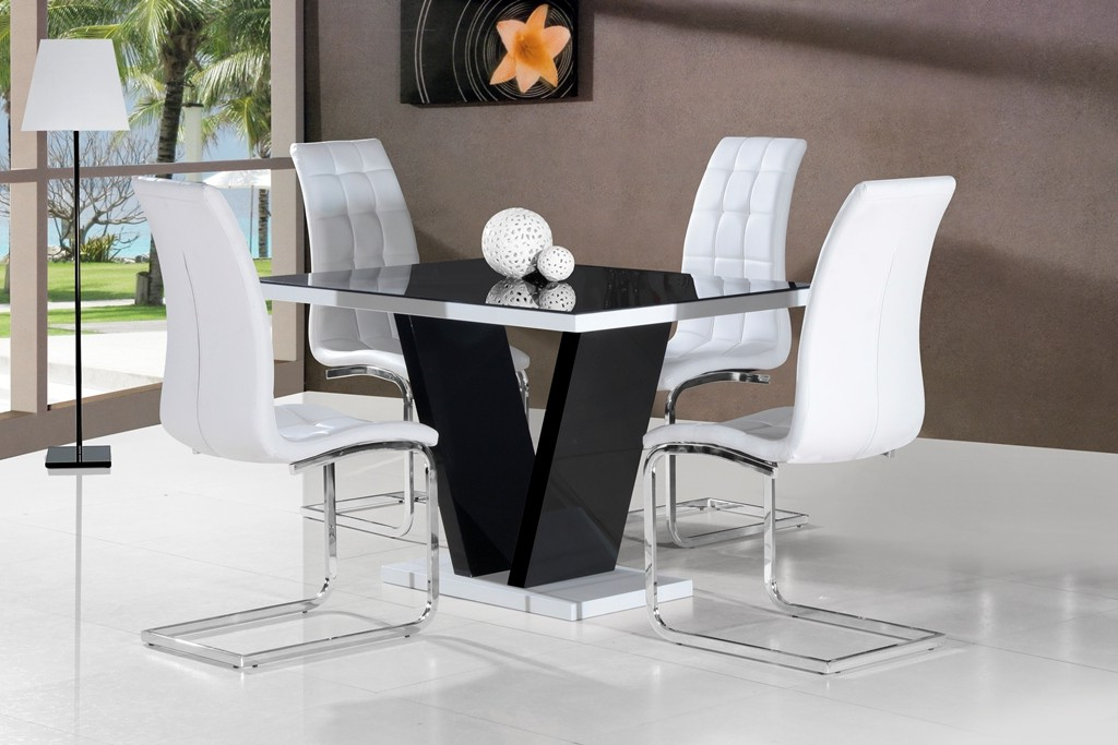 Famous Hi Gloss Dining Tables Sets Throughout Mozart Black High Gloss Dining Table 120cm Or 160cm (View 17 of 20)
