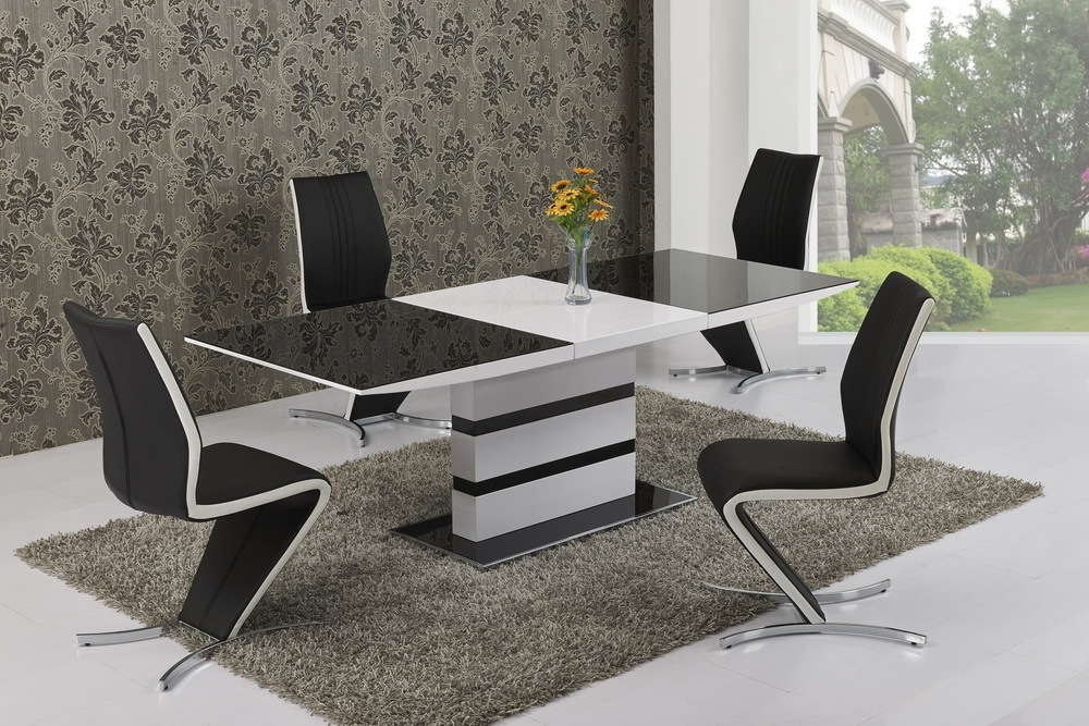 Famous Large Extending Black Glass White Gloss Dining Table And 6 Chairs With Regard To Black Gloss Dining Room Furniture (View 5 of 20)