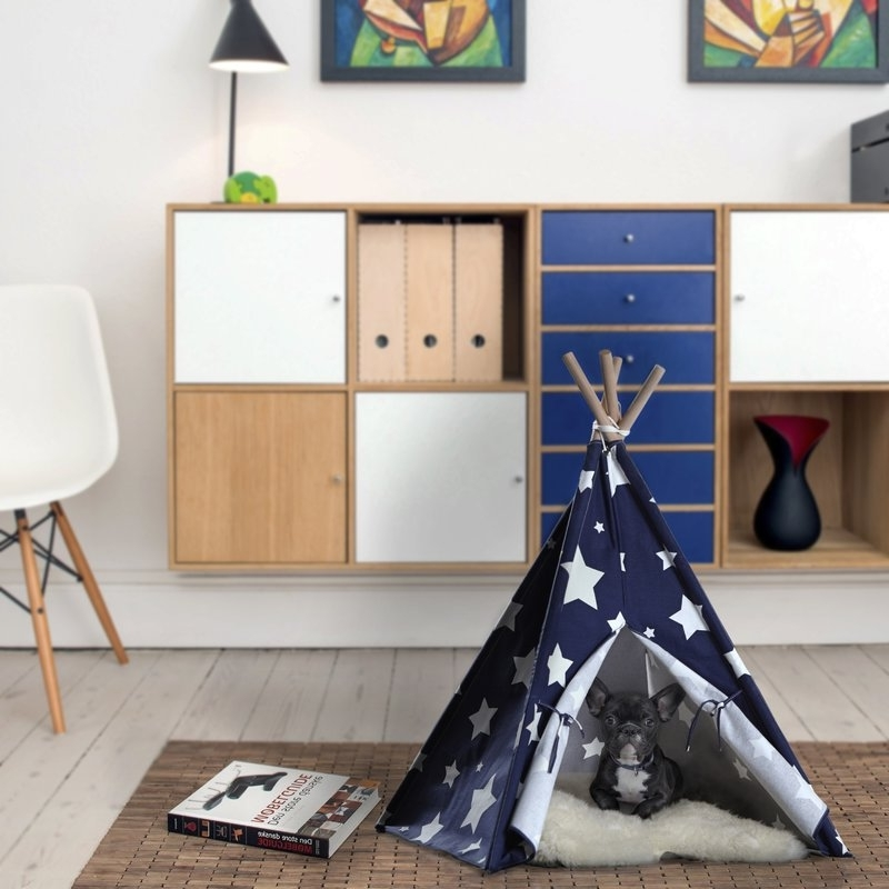 Fashionable Carly 3 Piece Triangle Dining Sets Regarding Tucker Murphy Pet Carly Teepee Dog Bed (View 16 of 20)