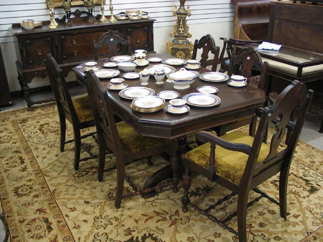 Fashionable Eight Piece Walnut Dining Set, Baker Furniture Co (View 11 of 20)