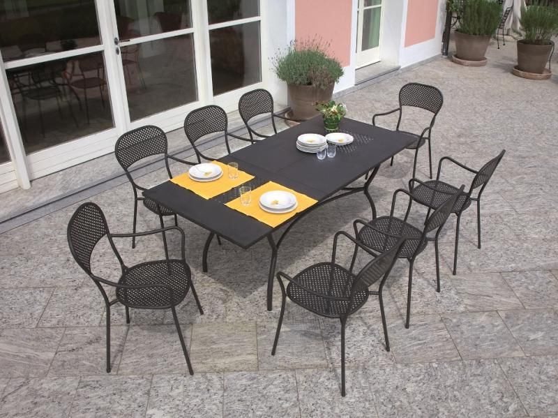 Fashionable Ginevra Extending Wrought Iron Table (View 4 of 20)