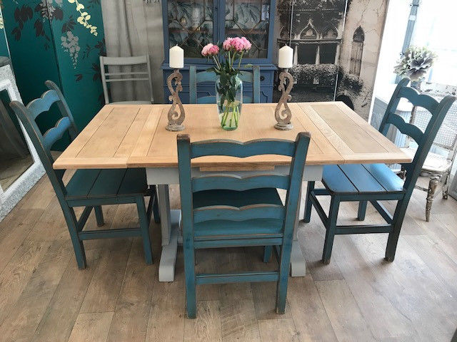 Fashionable Shabby Chic Extendable Dining Tables Regarding Shabby Chic Extendable Dining Table And Four John Lewis Chairs (View 13 of 20)